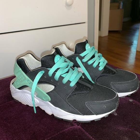 the latest 4ecf4 42fae Nike huaraches